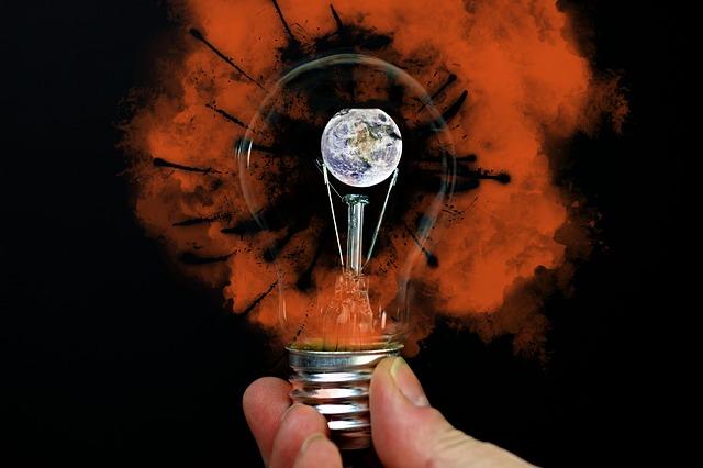 light-bulb-3619720_640