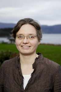 Gerit Pfuhl is an associate professor of psychology at both UiT and NTNU. Her primary interests are improving psychological science, neuroethology and biking.
